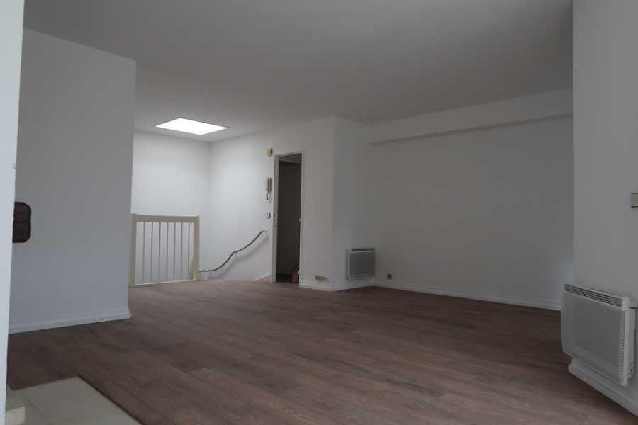 Appartement F3 (double séjour)